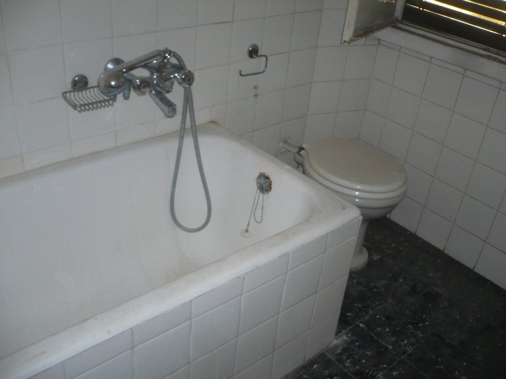 Ristrutturazione completa bagno malnate progetto casa - Ristrutturazione bagno como ...