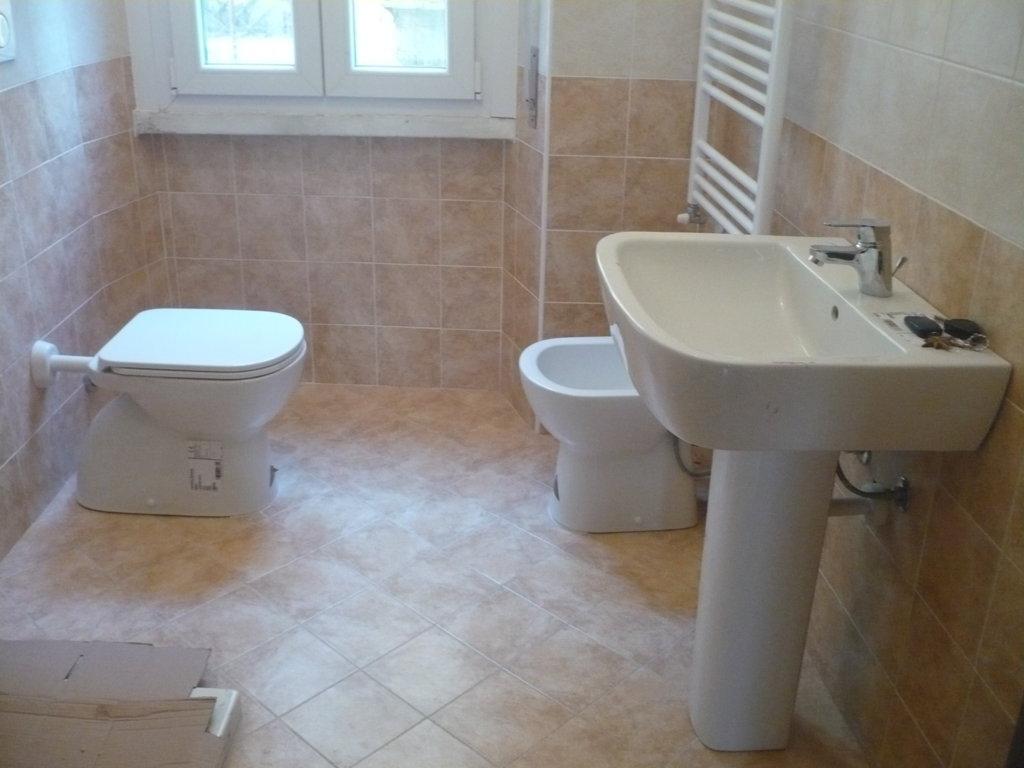 Ristrutturazione completa bagno malnate progetto casa - Detrazioni ristrutturazione bagno ...