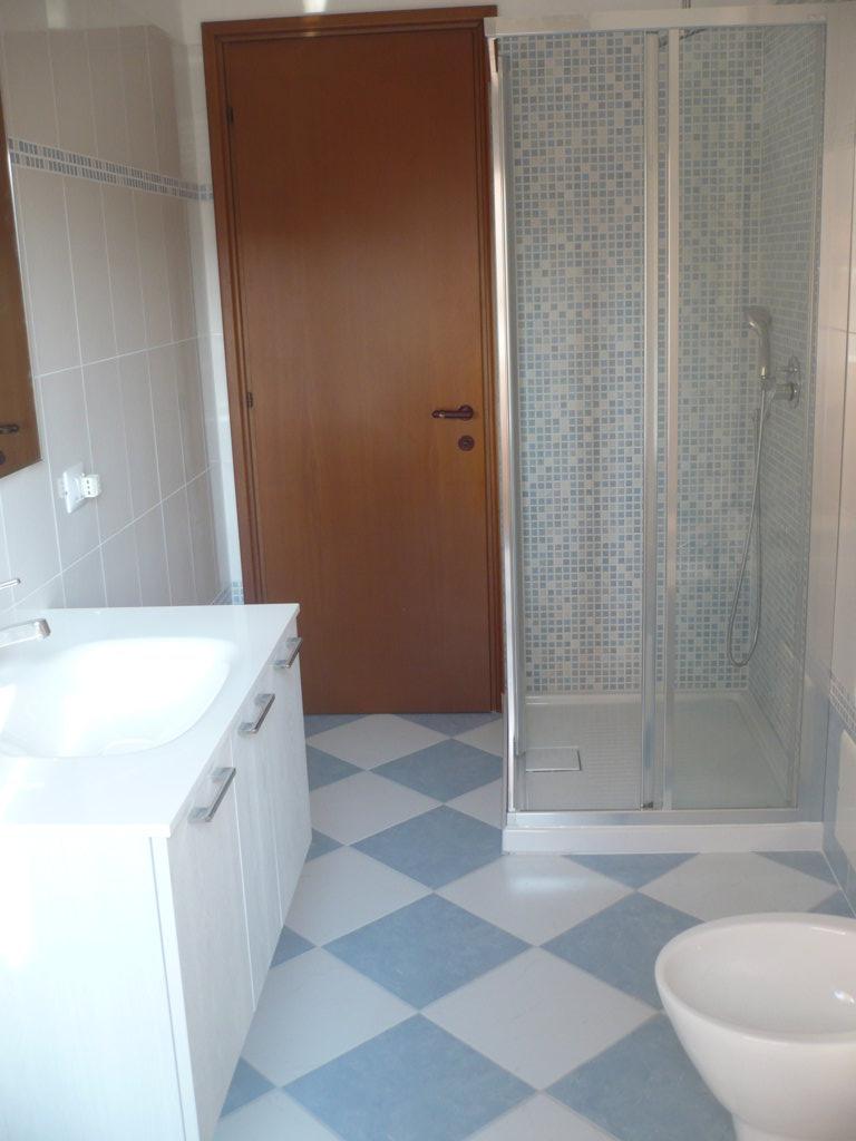 Ristrutturazione completa bagno varese 2 progetto casa - Ristrutturazione bagno como ...