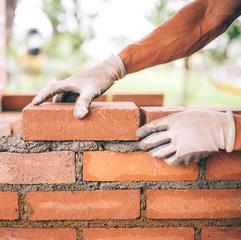 ristrutturare muratore castronno varese milano como